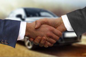 Handdruck beim Autokauf